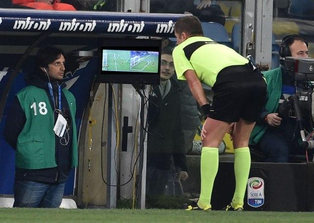 Каков малер: ВАР му поништи три гола на ист фудбалер! (ВИДЕО)