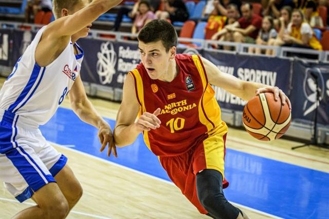 Македонски талент одигра ѕверски во Италија и оствари монструозен дабл-дабл! (ФОТО)