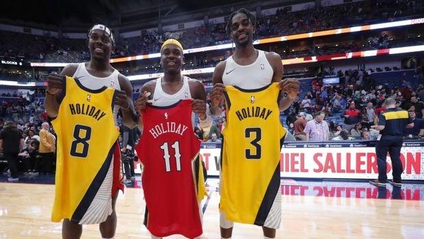 Браќата Холидеј испишаа историја во НБА: Тројцата заиграа за првпат на теренот! (ВИДЕО)