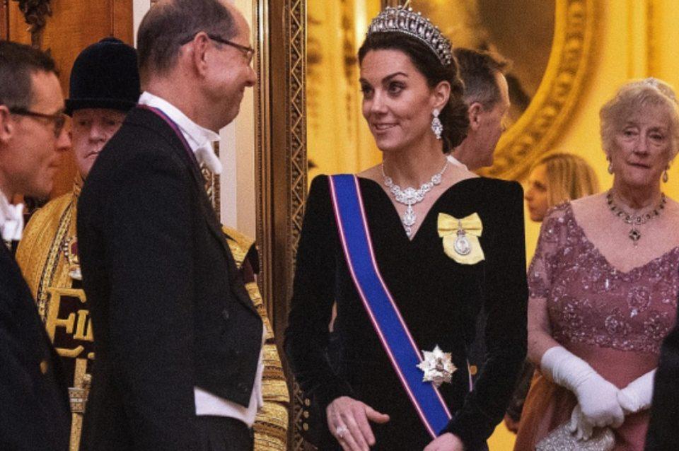 Кејт ги остави сите без зборови со кралската префинетост, но за овој детаљ сите зборуваат (ФОТО)