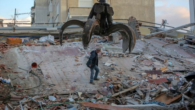 Нови 8 земјотреси ја погодија Албанија