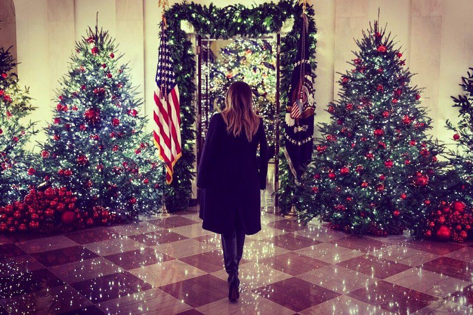 Колку точно украси и сијалички треба да ставите на елката за да изгледа совршено?