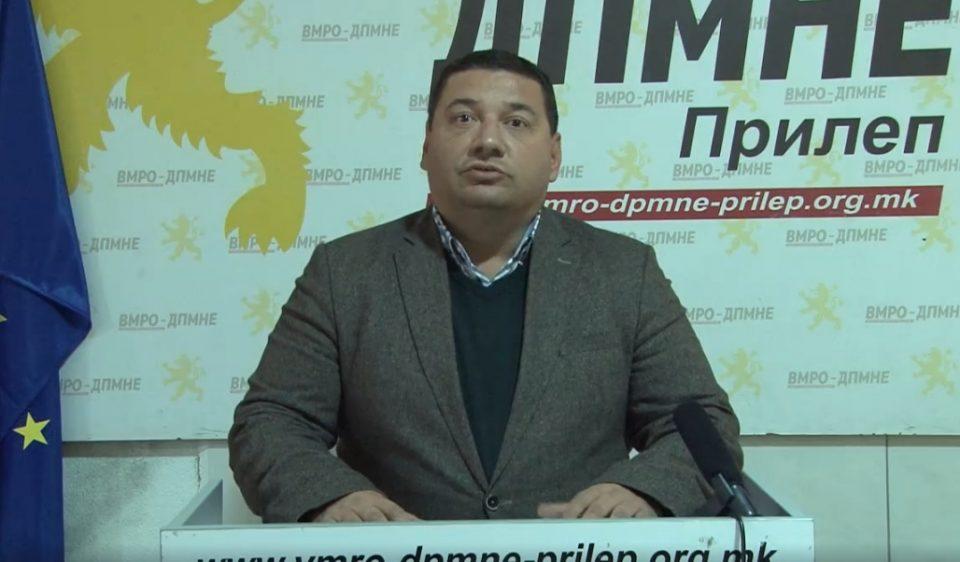 Ристески: Ако споменикот во Дабница бил подарок, зошто тогаш општина Прилеп објавила тендер со намена за реставрација и заварување на бронзената статуа?