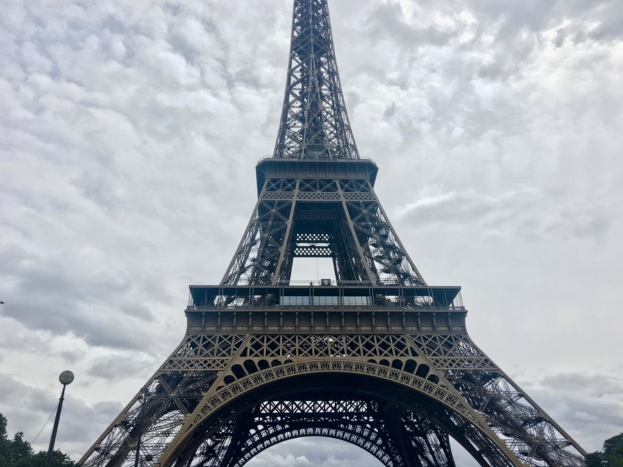 Ајфеловата кула повторно отворена за посетители