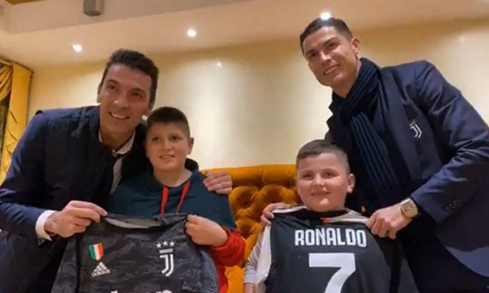 Децата кои скокнаа од балкон при земјотресот Рама ги запозна со Роналдо и Буфон (ВИДЕО)