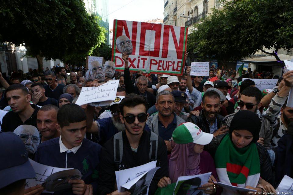 Протести на денот на претседателските избори во Алжир