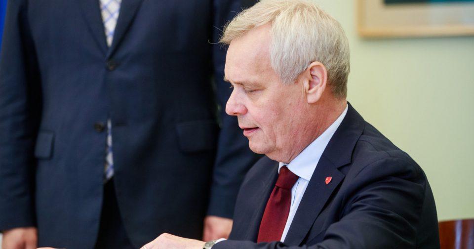 Финскиот премиер Анти Рине поднесе оставка поради штрајк во поштата