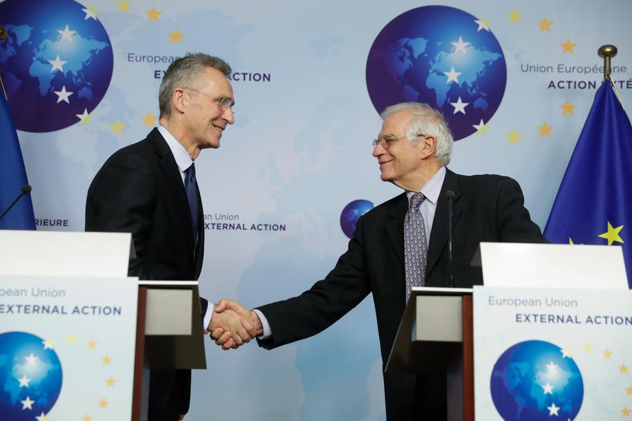 Борел и Столтенберг: ЕУ и НАТО ја засилуваат исклучителната соработка