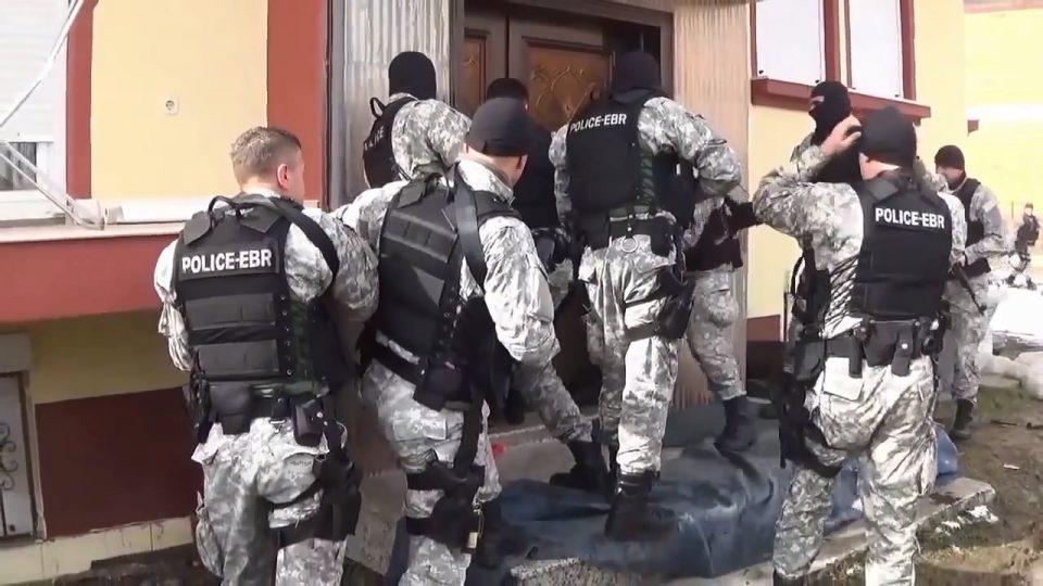 Двајца од приведените во Палас и се заканувале на полицијата, еве ги деталите