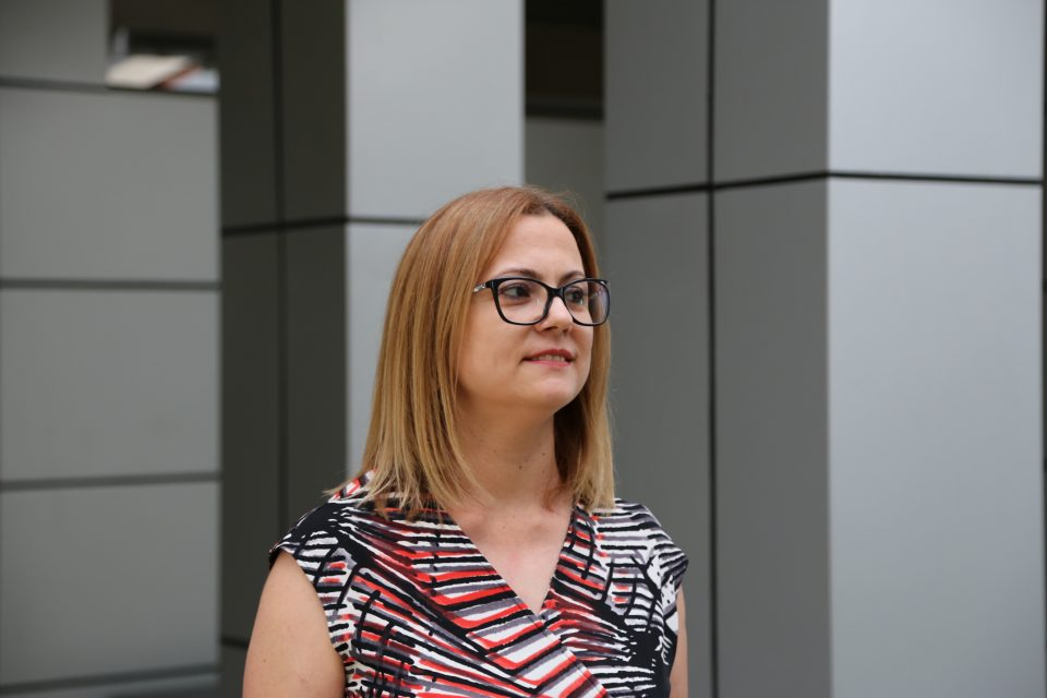 Стојаноска: СДСМ е класичен пример во светот за мешање на сите власти во државата, повторно ветуваат реформи во правосудството – истите лаги спакувани во друга украсна кеса