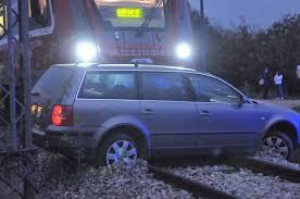 ДРАМА НА ПЕТОК 13: Воз и автомобил се судрија кај местото Лозово- жена со повреди итно пренесена во болница