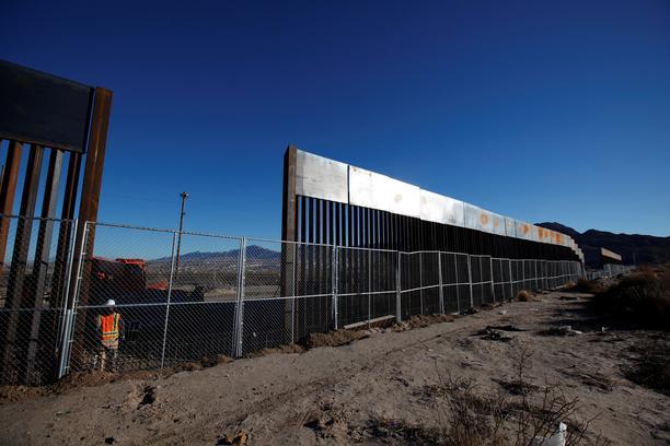 САД: Федерален судија забрани парите наменети за воени расходи да се трошат за изградба на ѕид кон Мексико
