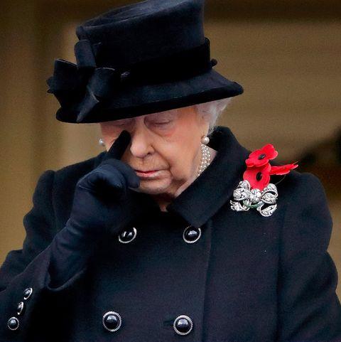 135 илјади твотови ја умреа кралицата Елизабета втора- веста за нејзината смрт го вознемири светот! (ФОТО)
