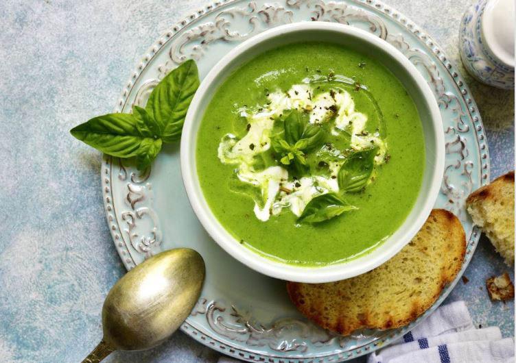 Едноставен и вкусен ручек: Крем чорба со спанаќ