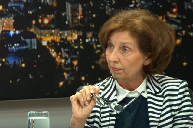 Колумна на проф. д-р Гордана Силјановска-Давкова: Опасноста од авторитарен популизам и тоталитарни тенденции во вонредна состојба