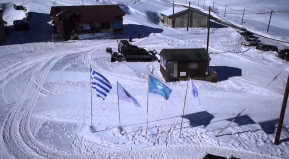 Затворен познат грчки скијачки центар поради невреме
