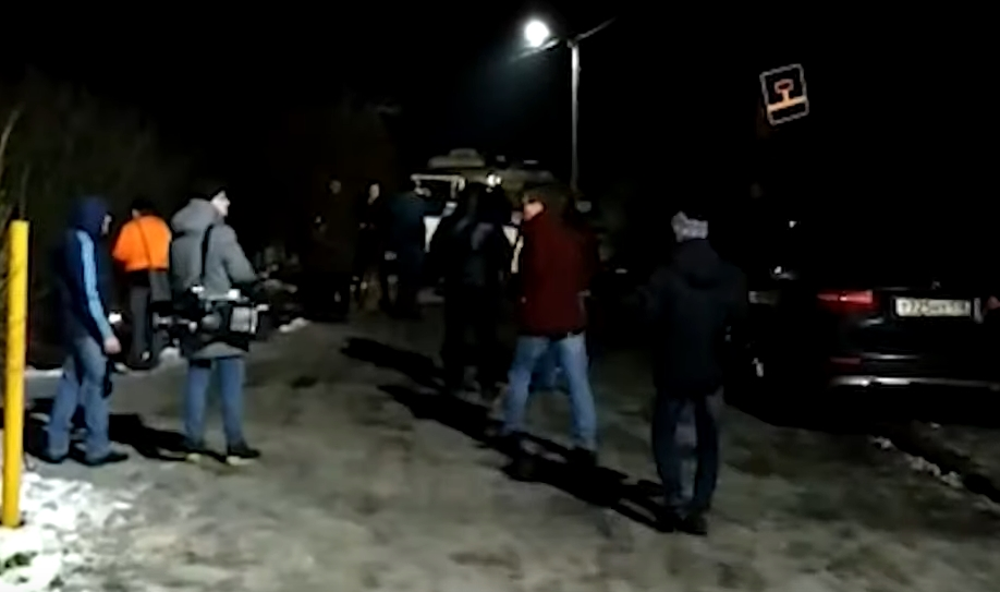 Татко монструм во Русија: Кога полицијата влезе во неговиот дом најде сцена како од хорор филм (ВИДЕО)