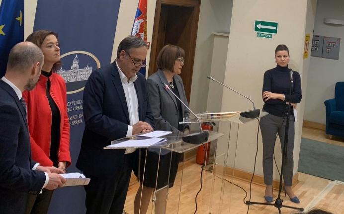 Власта и опозицијата во Србија се договорија, избори во март