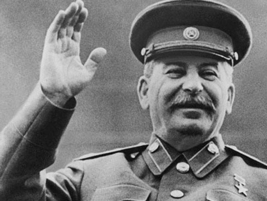 Во Москва украден автомобил кој наводно му припаѓал на Сталин