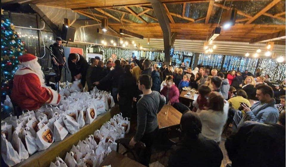 Комитите во хумана мисија: Донираа стотина пакетчиња на децата со посебни потреби (ФОТО)