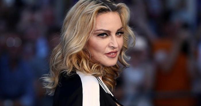 Мадона ќе режира автобиографски филм