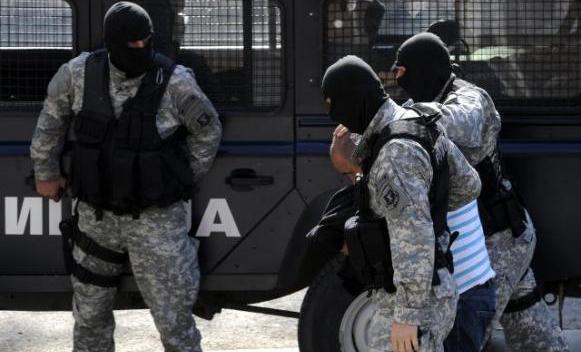 Се апси во Александар Палас
