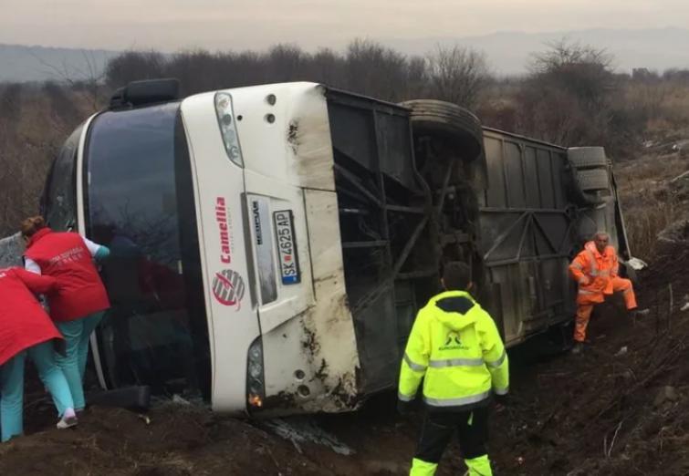 МНР: 26 патници се повредени во автобуската несреќа во Србија-сите се надвор од животна опасност