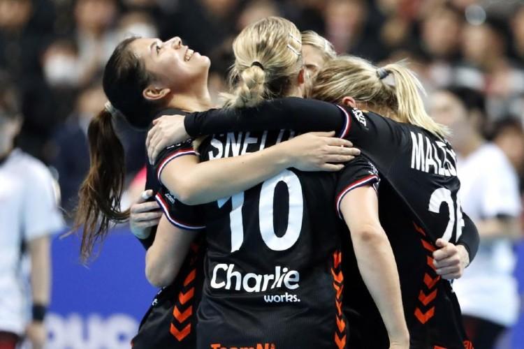 Шпанија и Холандија ќе играат во големото финале на СП во ракомет
