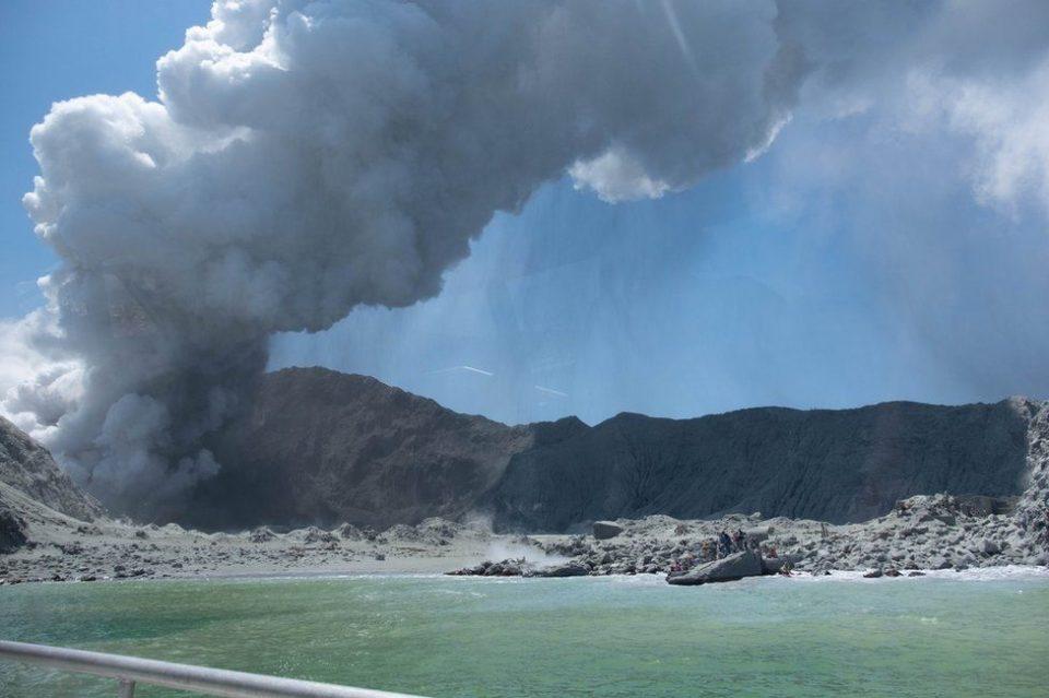 По ерупцијата на вулканот во Нов Зеланд 11 исчезнати, 13 повредени