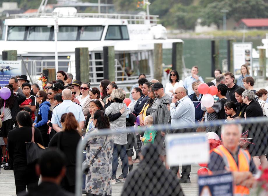 Во опасна акција, новозеландската војска извлече шест жртви на вулканска ерупција