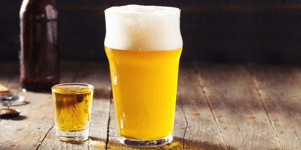Мијте се со пиво седум дена: Ова ќе бидат резултатите!