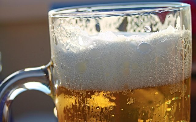 Ирските пабови пред банкрот, поради кризата пропаднале 2.450.000 буриња пиво