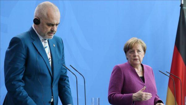 Меркел му испрати писмо на Рама: Германија и ЕУ ќе ве поддржат во овие тешки моменти