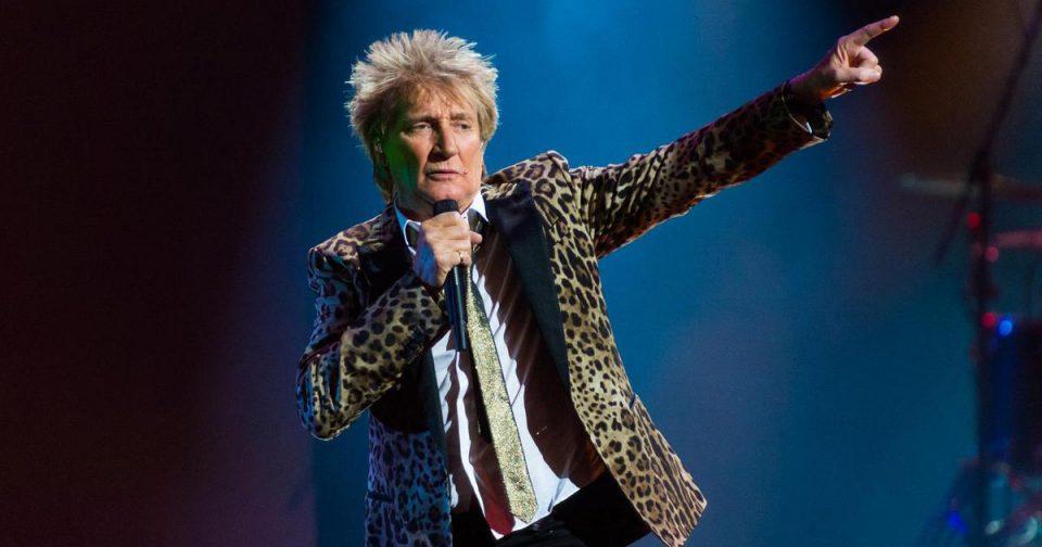 Сер Род Стјуарт е најстариот пејач на врвот на топ листата во Велика Британија