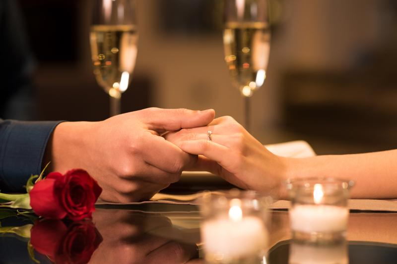 Десет знаци дека девојката е во право кога ви кажува дека не сте романтични