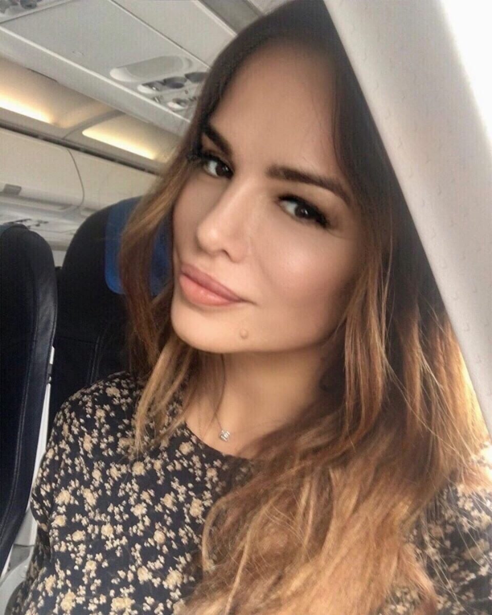 Направи голема промена на лицето, а фановите јавно апелираат до сите жени тоа да не го прават- Северина изгледа 10 години помлада (ФОТО)