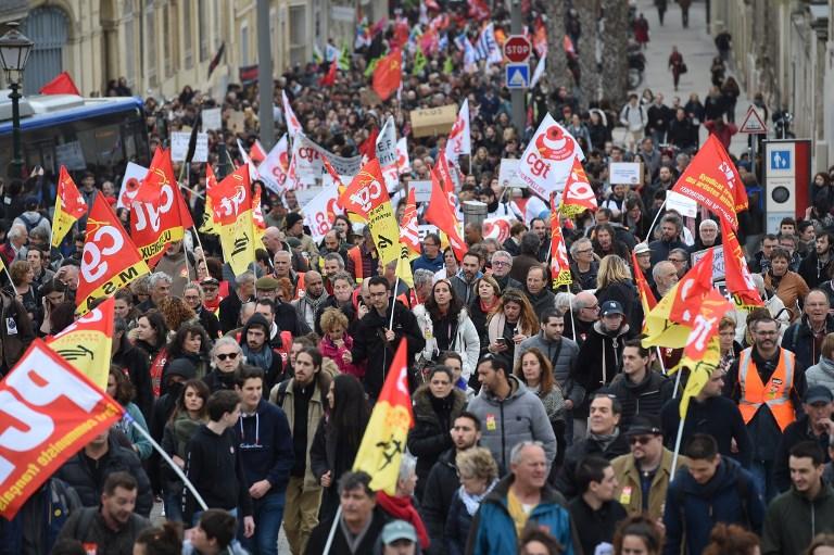 Во Франција се очекува почеток на генерален штрајк поради најавени промени на пензискиот систем