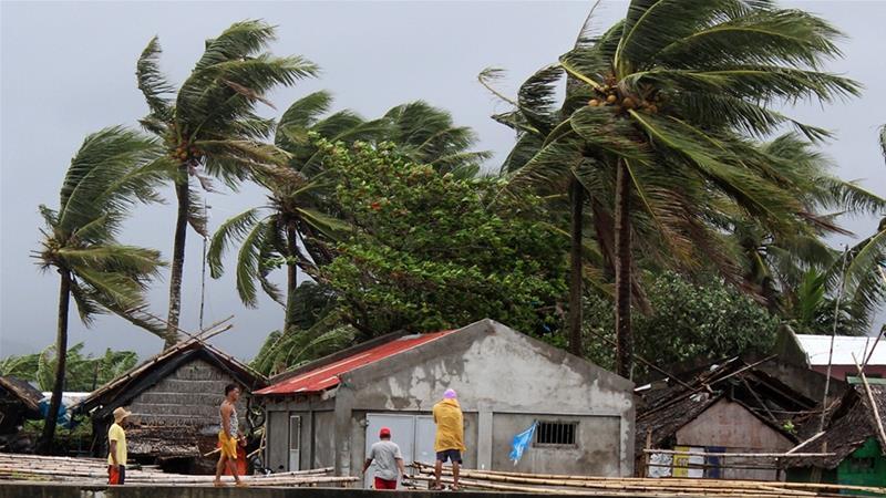 На Филипини евакуирани околу 200.000 поради тајфунот Камури
