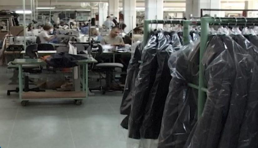 Манипулација со текстилните работници: Им зголемиле минимална плата, им укинале храна и превоз