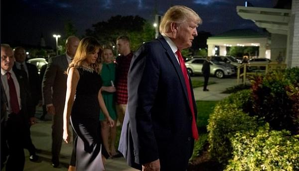Трамп го помина Бадник во црква со семејството