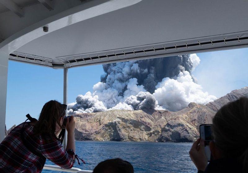 ВИДЕО: Расте бројот на жртви по ерупцијата на вулканот во Нов Зеланд
