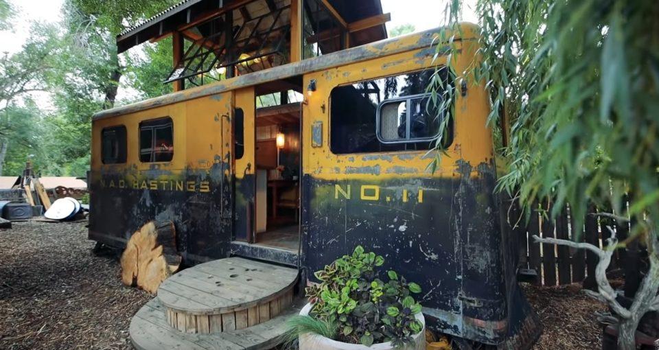 Купија железнички вагон од Втората светска војна и го трансформираа во волшебна куќичка (ВИДЕО)