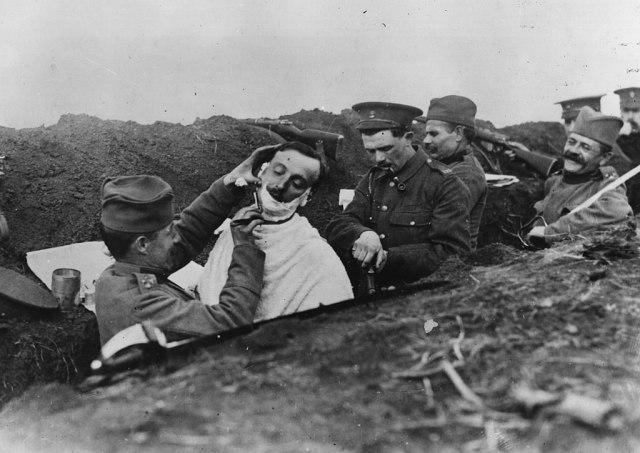 """Само тој Божиќ, Првата светска војна престанала, а утредента се од почеток: """"Ден на чудата"""" (ВИДЕО)"""