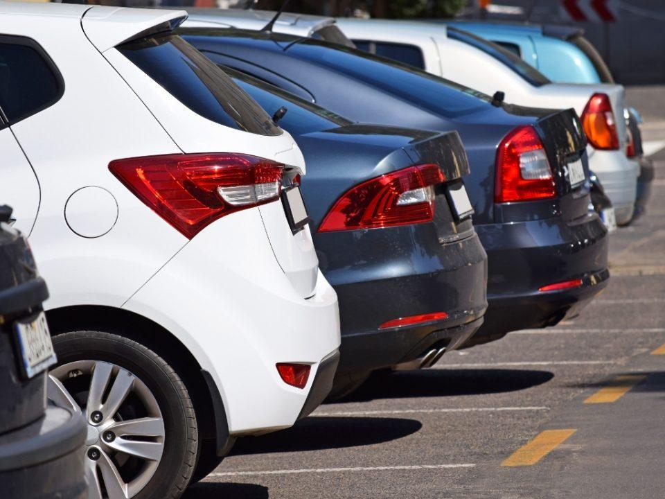 Вртоглав пад на продажбата на автомобили во Франција