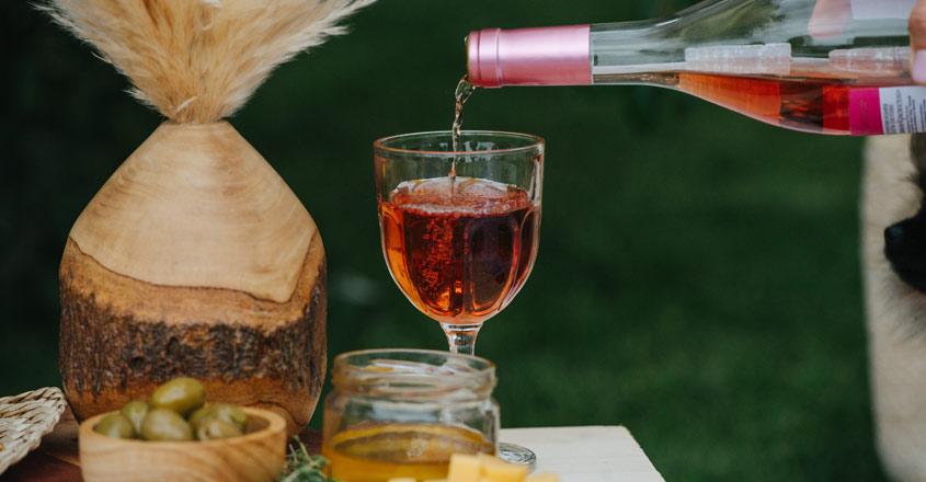 На Филипини 11 луѓе починале од кокосово вино