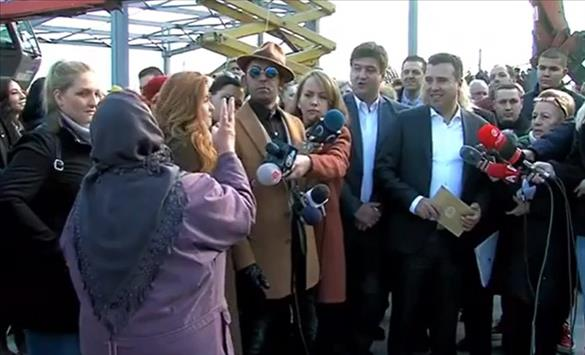 Кој од Владата наредуваше да се бришат вести од бабата критичар на Заев?