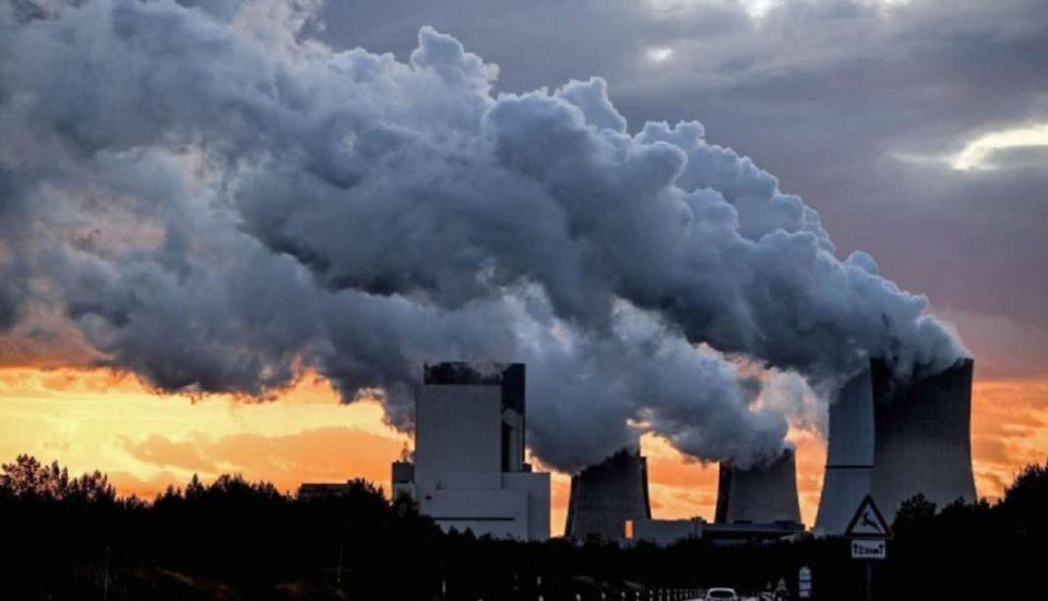 ВМРО-ДПМНЕ: Додека Заев ги брои парите, некој ги брои болните од загадениот воздух