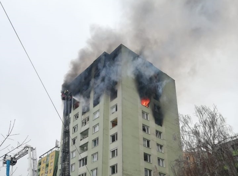 Словачка: Најмалку петмина загинати во експлозија во зграда