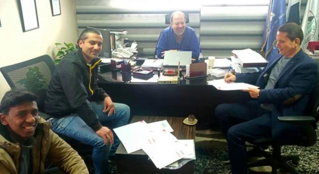 Никогаш не е доцна: Египетски клуб потпиша договор со 75-годишен фудбалер