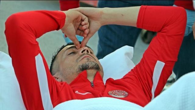 Голем пех за Јаховиќ – еден месец пауза поради повреда на главата
